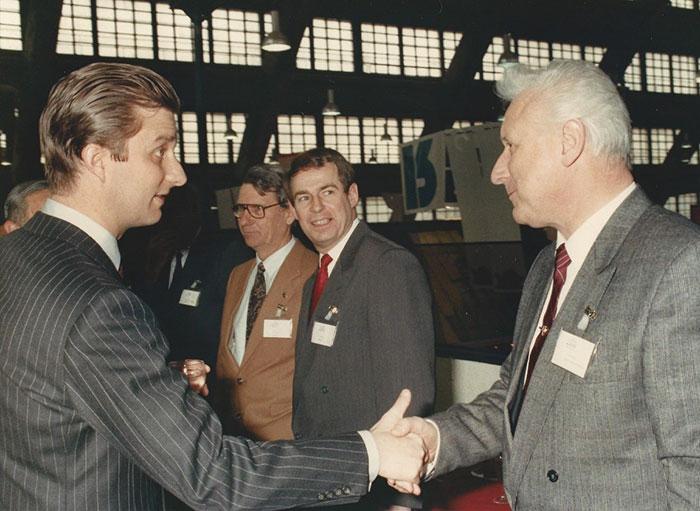J. Quackels ontmoet prins filip in naam van zijn bouwfirma.